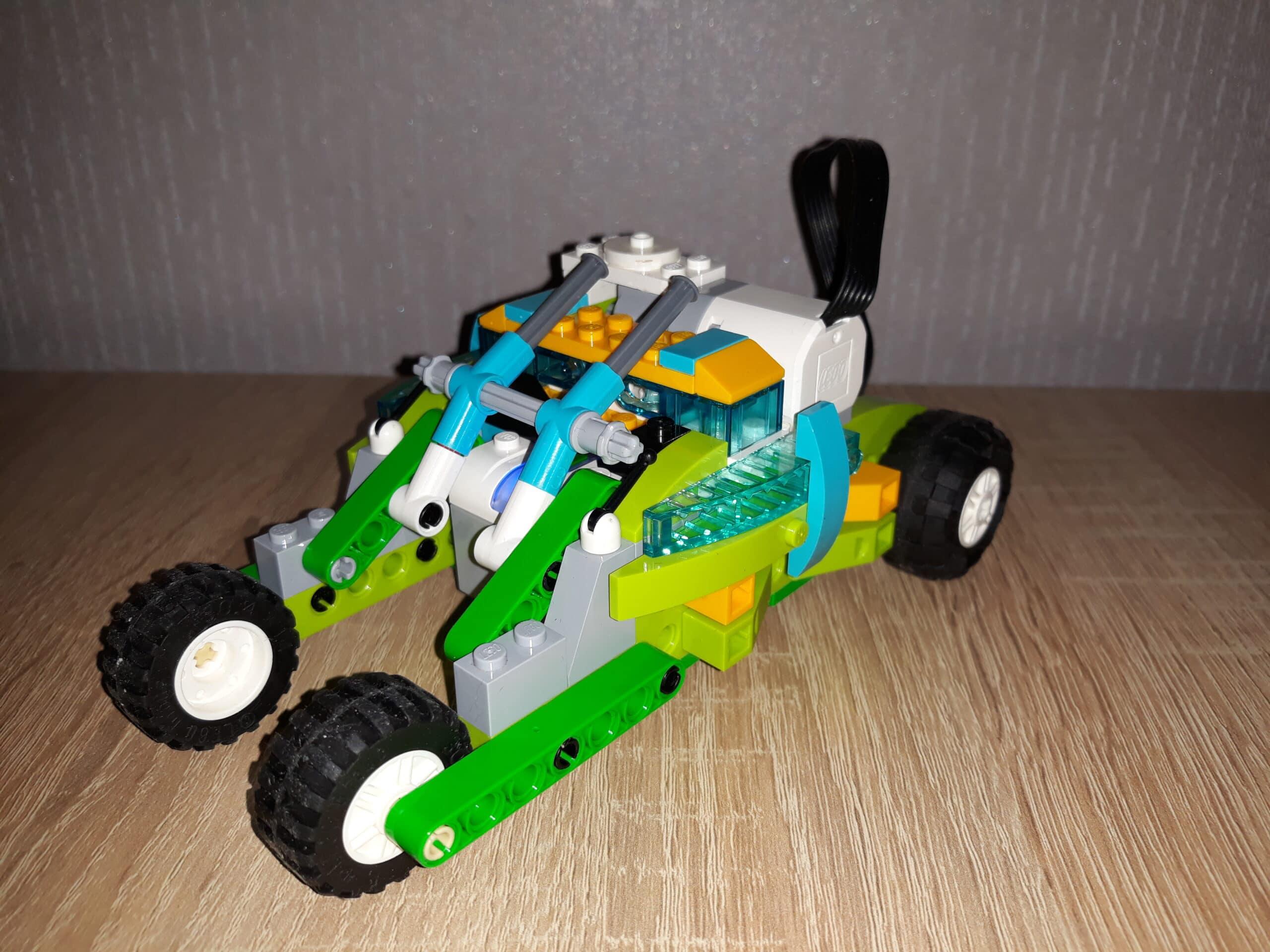 Инструкция по сборке из набора LEGO Education WeDo 2.0 Бэтмобиль