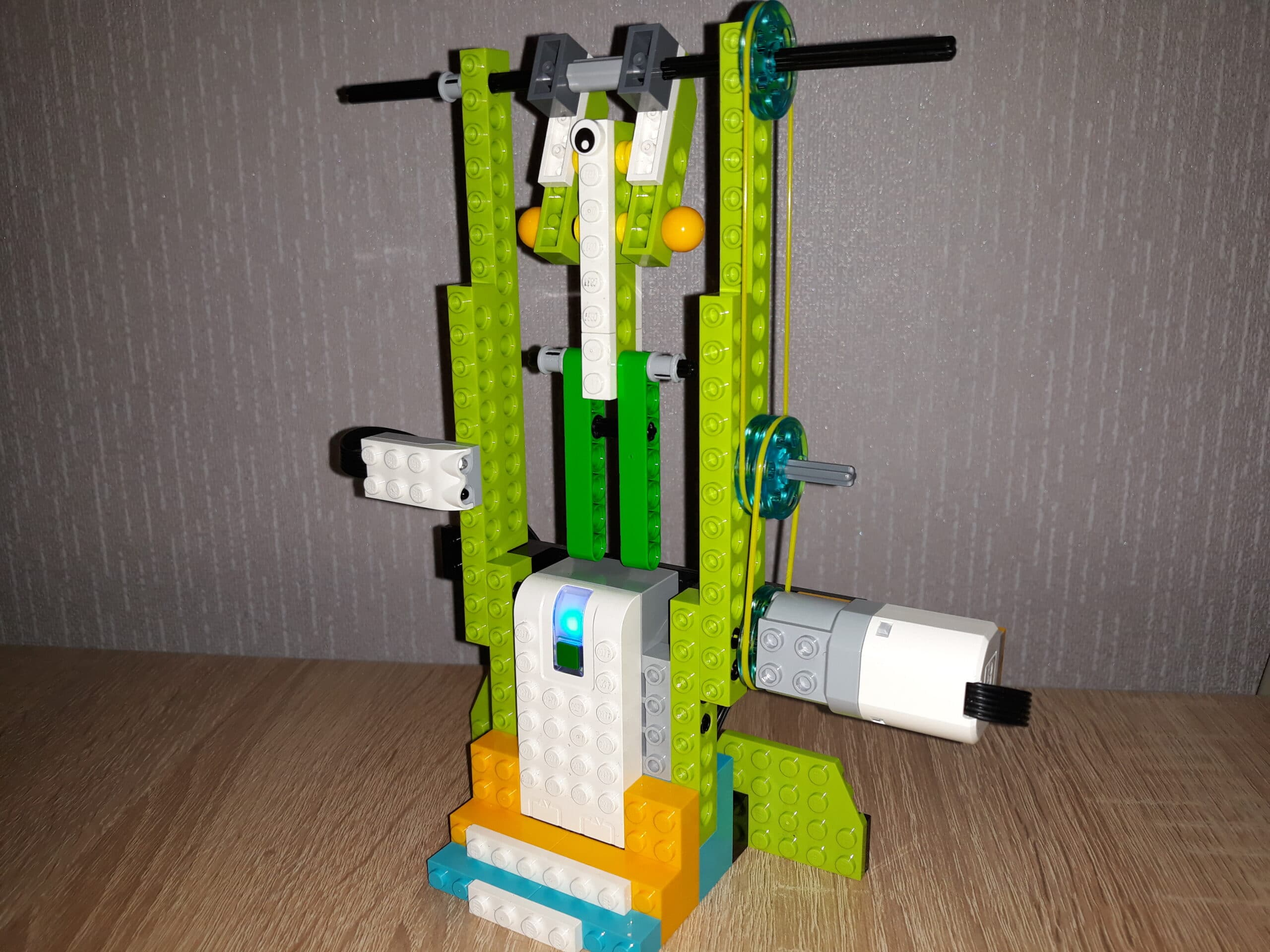 Инструкция по сборке из набора LEGO Education WeDo 2.0 Гимнаст