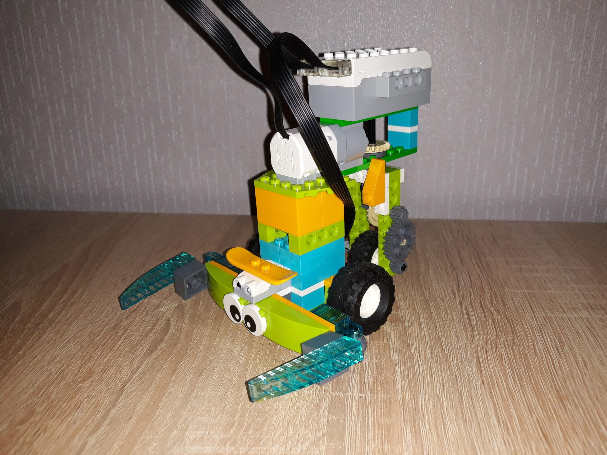 Инструкция по сборке из набора LEGO Education WeDo 2.0 Скорпион