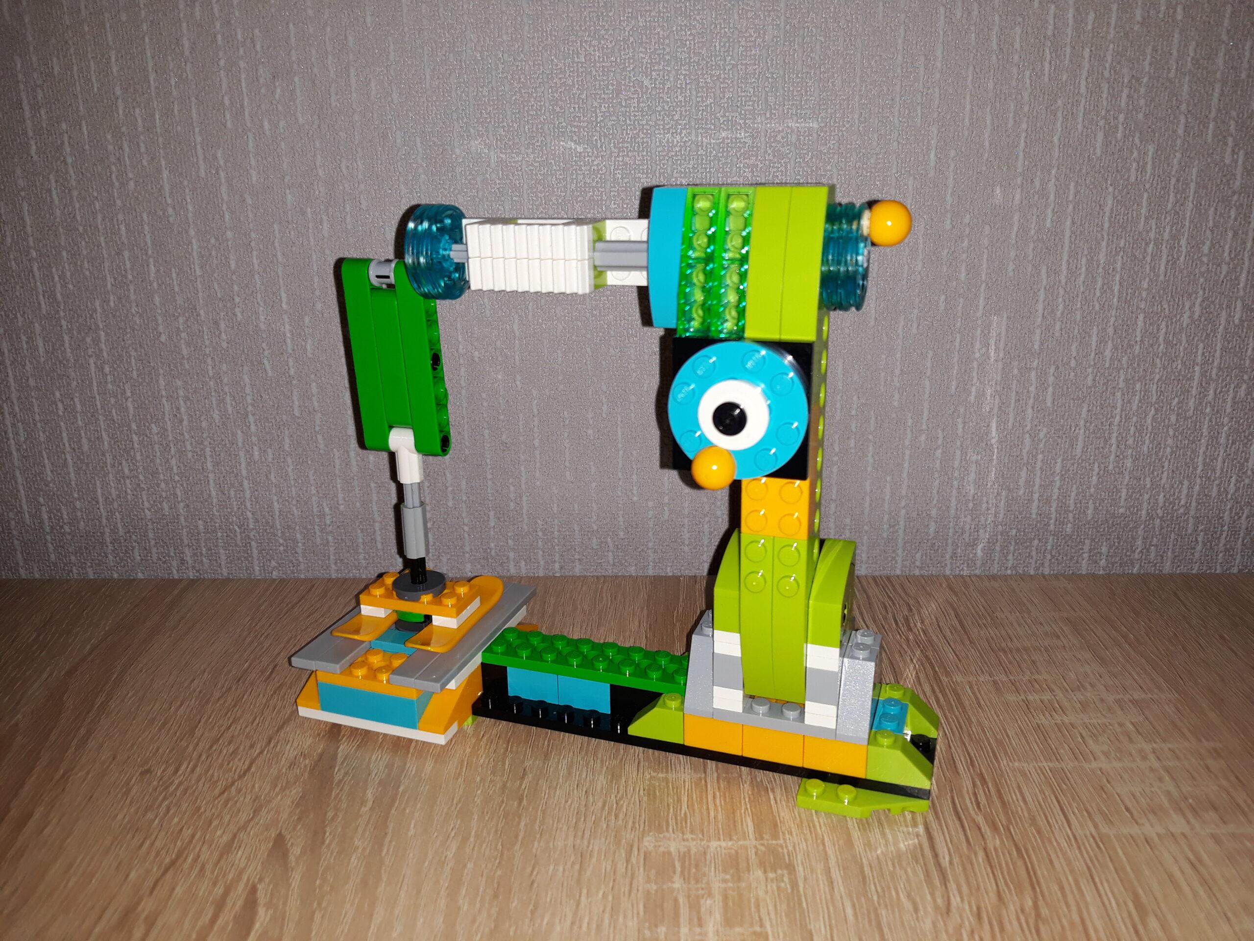 Инструкция по сборке из набора LEGO Education WeDo 2.0 Швейная машинка