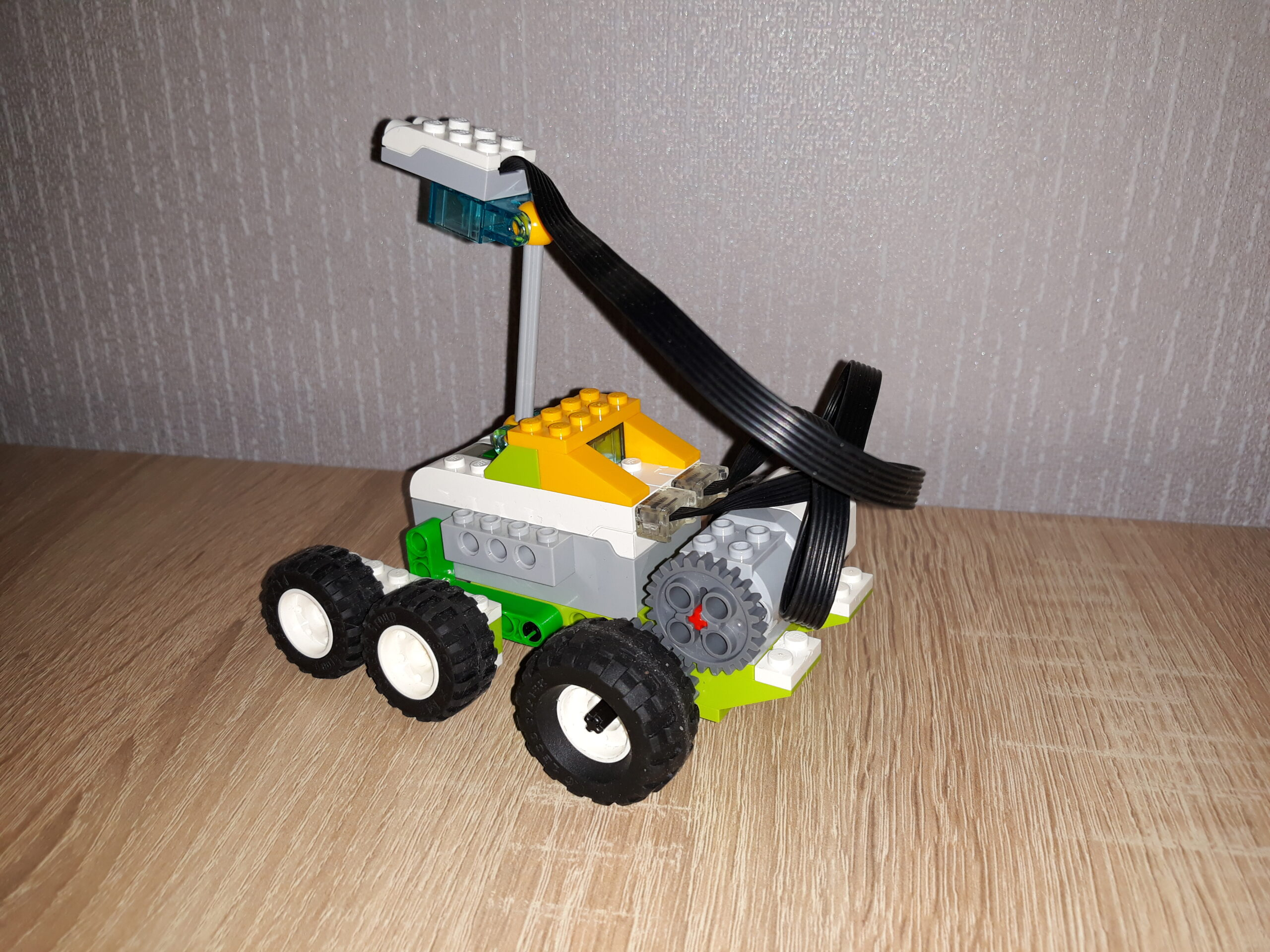 Итог инструкция по сборке из набора LEGO Education WeDo 2.0 Марсоход
