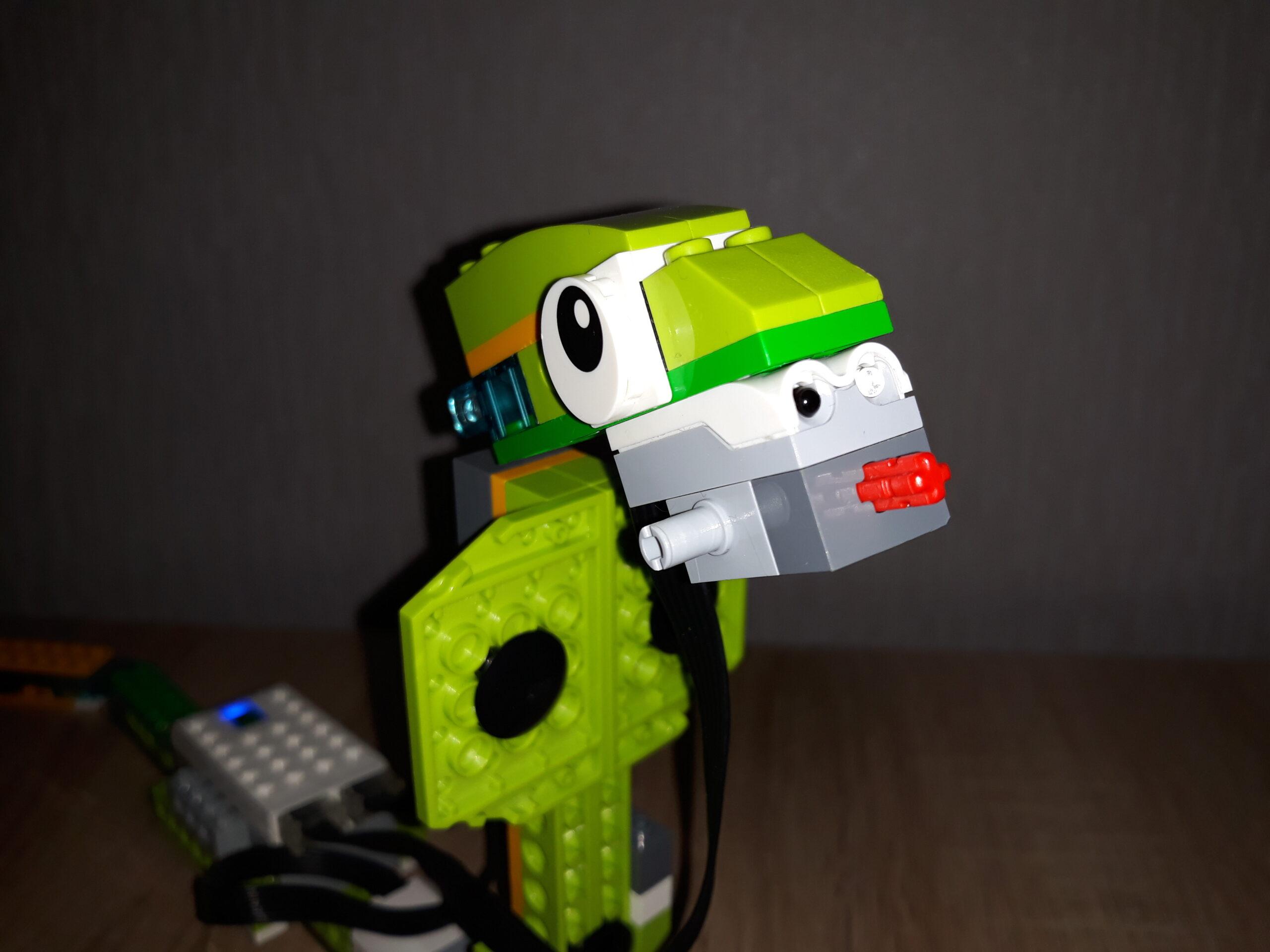 Пошаговая инструкция по сборке из набора LEGO Education WeDo 2.0 Кобра