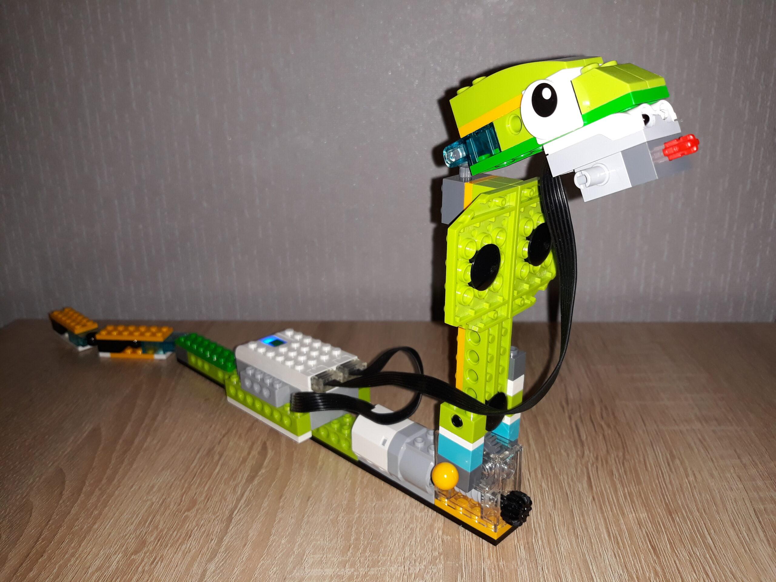 Скачать инструкцию по сборке из набора LEGO Education WeDo 2.0 Кобра