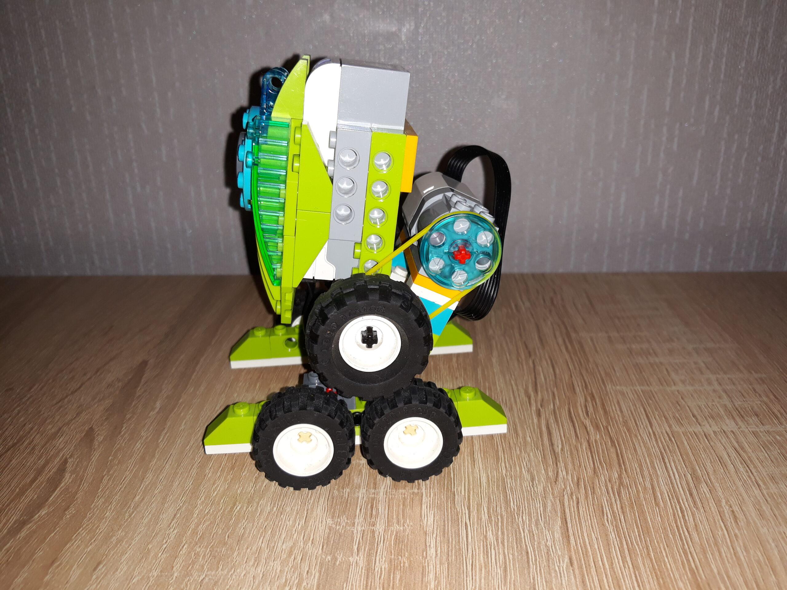 Схема сборки из набора LEGO Education WeDo 2.0 Робот R2D2