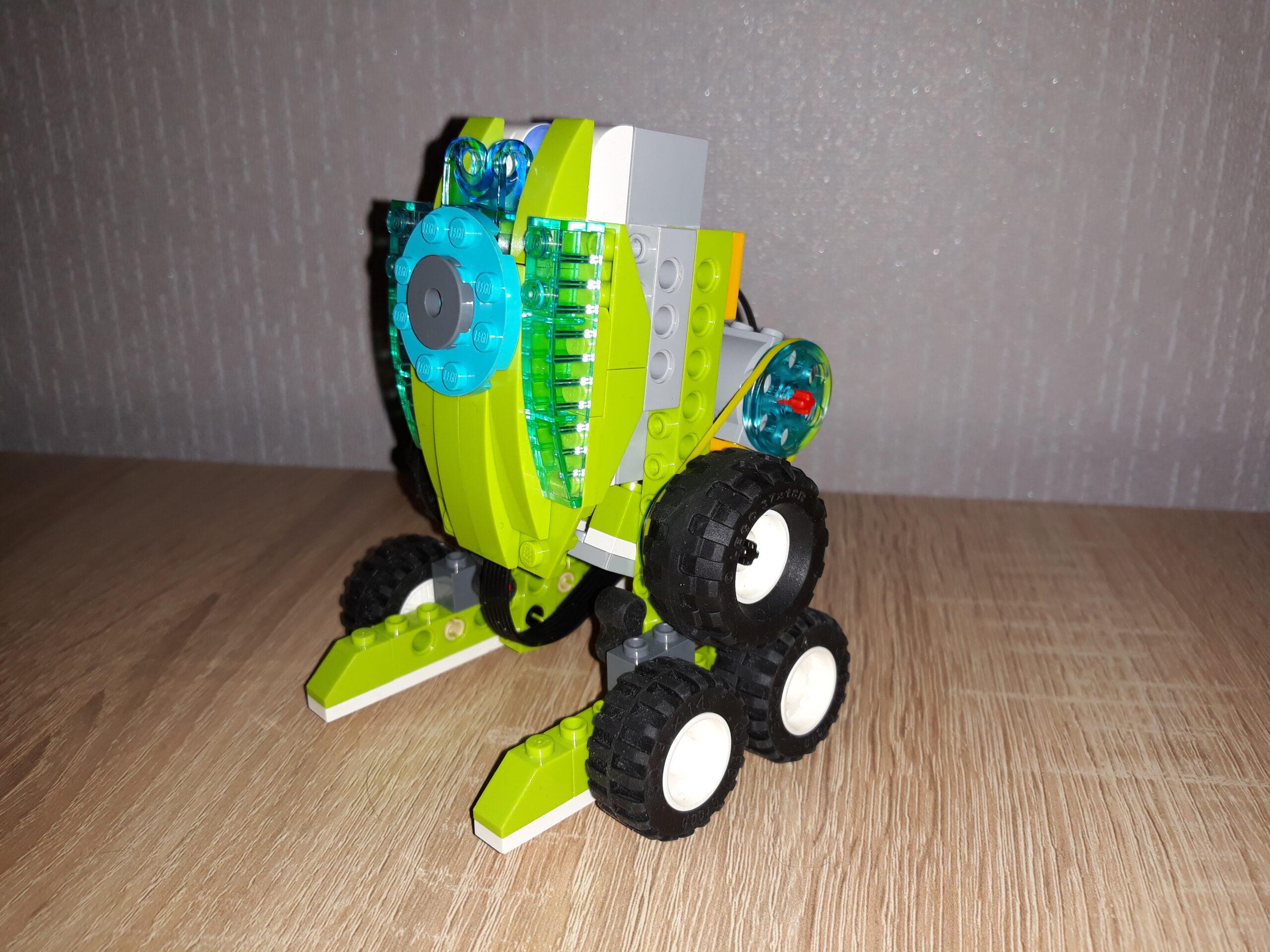 Скачать инструкцию по сборке из набора LEGO Education WeDo 2.0 Робот R2D2