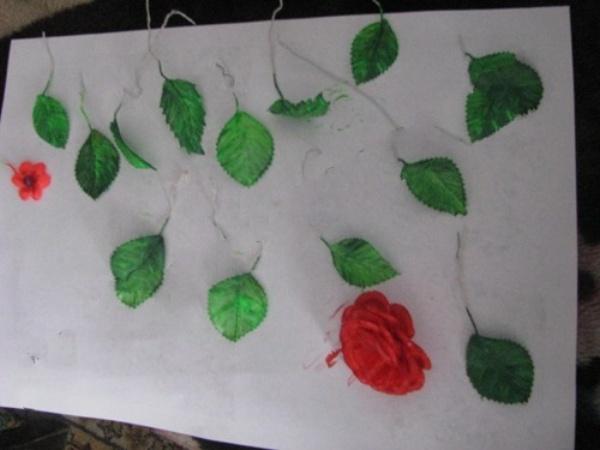 Листочки и цветы
