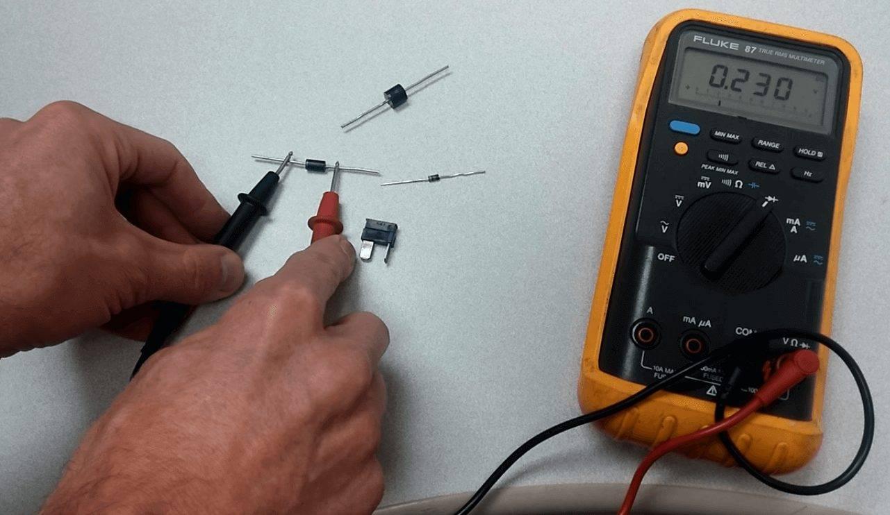 Мультиметр, измерения, резисторы