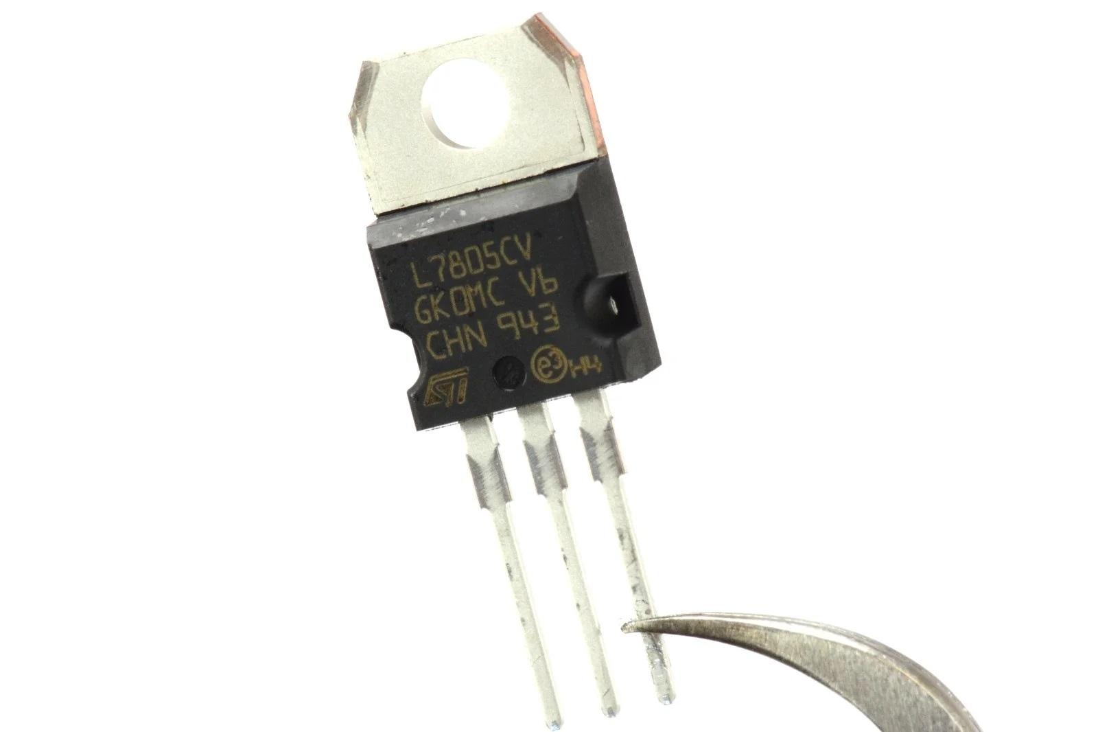 Линейный стабилизатор LM7805