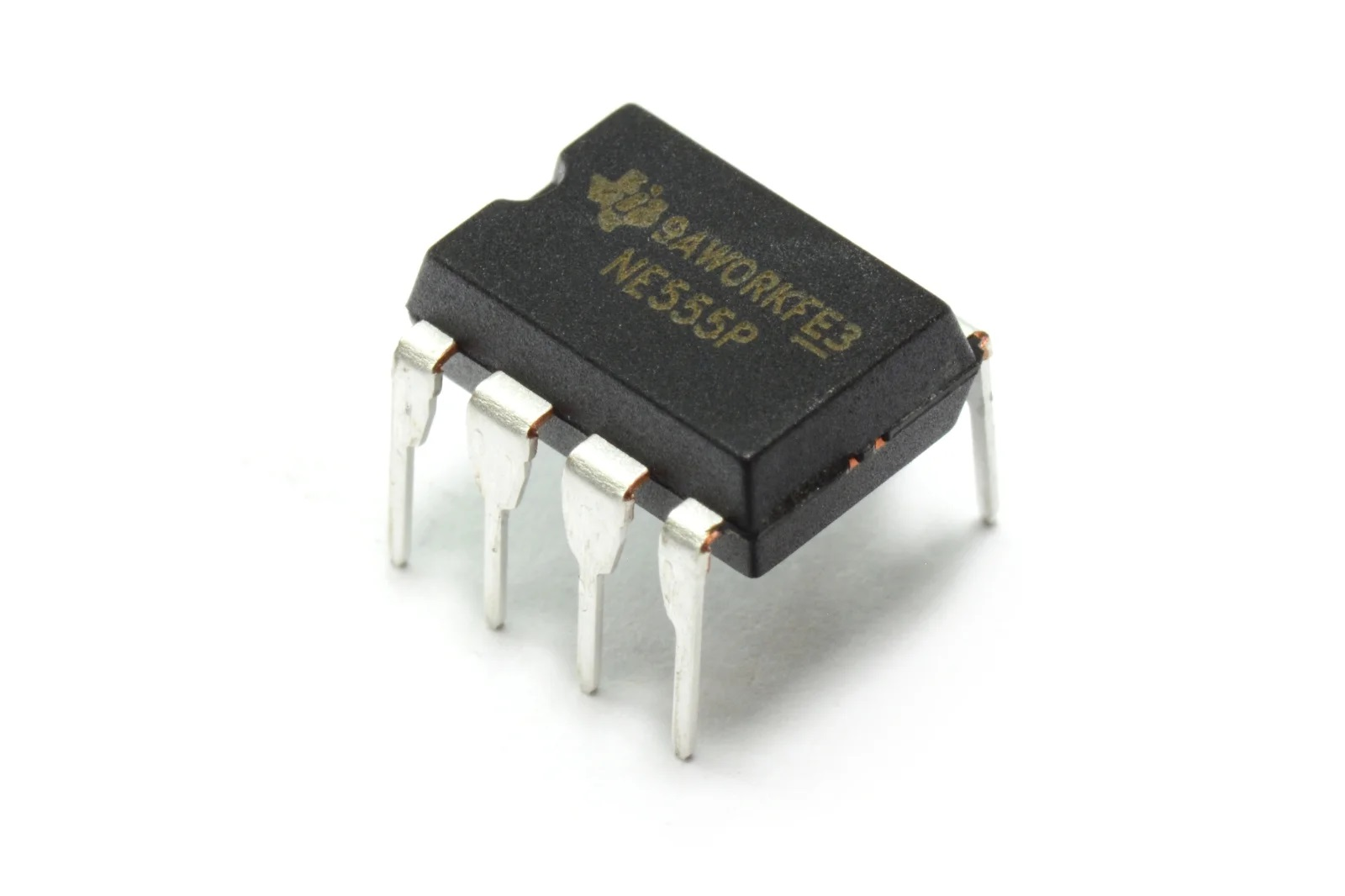 Вариант микросхемы NE555